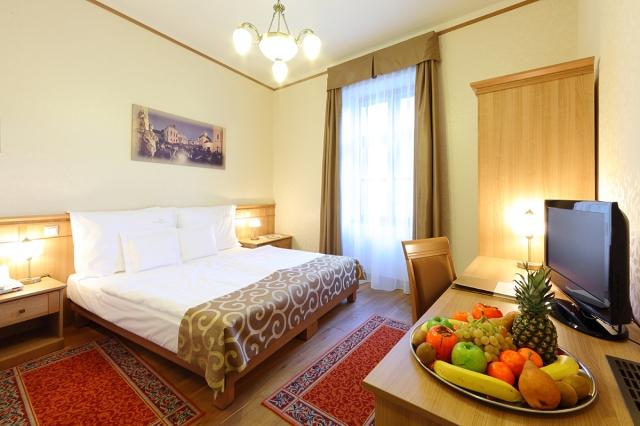 Hotel Historia and Historante****