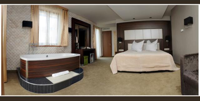 Duna Garden Hotel****