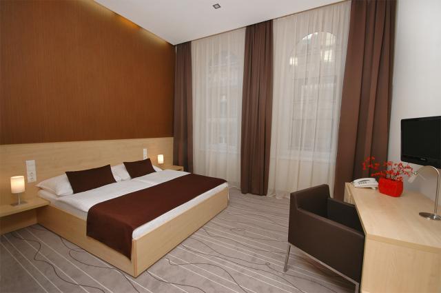 Promenade City Hotel*** Superior