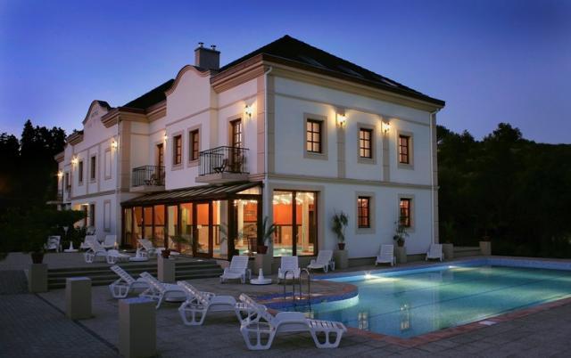 Hotel Villa Völgy****