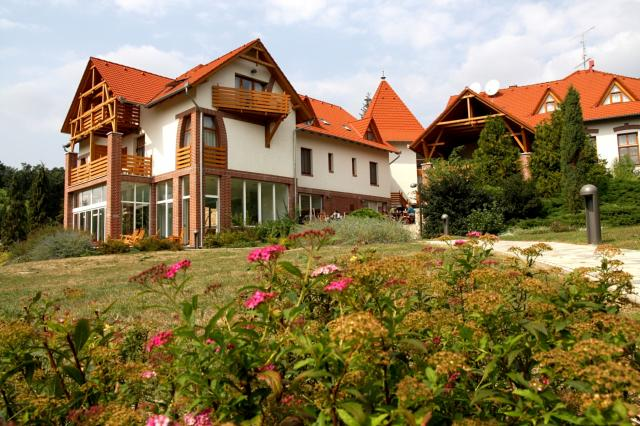 Hotel Kardosfa***